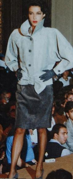 Yves Saint Laurent F/W 1985 Haute Couture. L'Officiel 1000 modèles, Juillet 1985.