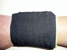 Portemonnaies - Pulstasche Armgeldbörse schwarz Jeans - ein Designerstück von NiWi2011 bei DaWanda