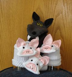 Big Bad Wolf hand puppet and Three Little Pigs sock puppets story telling perform theater Sock Puppets, Hand Puppets, Finger Puppets, Glove Puppets, Marionette, Kids Crafts, Sock Toys, Puppet Making, Big Bad Wolf