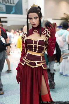 Azula (Avatar) #cosplay | Anime Expo 2016. More costume and cosplay sewing: http://www.japanesesewingpatterns.com/reviews/cosplay/2015/09/30/cosplay-costume-sewing-patterns-review.html