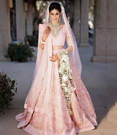Real Indian Wedding, Desi Wedding (Four Seasons Resort and Club Dallas at Las Colinas, Texas): Beautiful Indian Bride Natasha in baby Pink Bridal Lehenga with faux leather florets and Gajra flowers. Indian Bridal Photos, Indian Bridal Outfits, Indian Bridal Fashion, Indian Bridal Wear, Indian Dresses, Bridal Dresses, Indian Bridal Jewelry, Maxi Dresses, Pink Bridal Lehenga