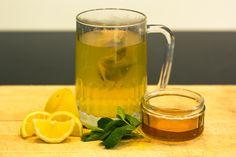 8 choses qui arrivent quand vous buvez de l'eau avec du miel et du citron à jeun
