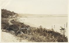 https://flic.kr/p/DKTV6y | c. 1924 Photo - Looking East at the West End of White Rock, B.C. | View of the Beach, Beach Shacks, Baggage Sheds, Pier, Railway Tracks and Business Section of White Rock, B.C. in the 1924 era.