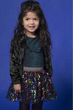 Kidz Art look! Nike Flex, Kids Z, Vintage Stil, Party Shirts, Party Looks, Sequin Skirt, Girls, Sequins, Glamour
