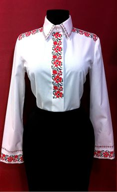 This post was discovered by Na Polish Embroidery, Hungarian Embroidery, Folk Embroidery, Shirt Embroidery, Embroidery Designs, Casual Outfits, Fashion Outfits, Womens Fashion, Tie Dye Crafts