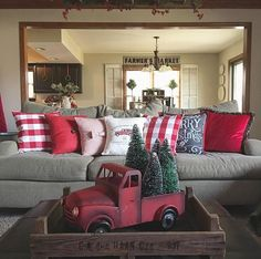Farmhouse Christmas Decorations - Rustic Christmas Decor Ideas that Brings Back The Traditional Festive Vibe In Your Home