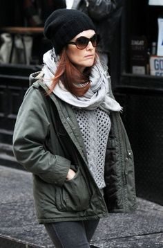 Julianne Moore Photo - Julianne Moore Shops in SoHo