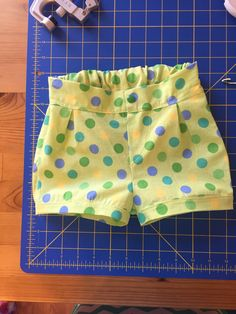I was searching for a good, free shorts pattern for my daughter, and fortunately, I found exactly what I was looking for stylistically in the Zuzzy Box Pleat Shorts, and the pattern was written for…