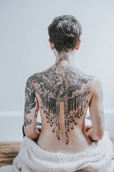 Tattoos Why? Because they're changing tattoo culture. Tattoo Girls, Girl Tattoos, Tattoos For Women, Woman Back Tattoos, Tatoos, Full Back Tattoos, Great Tattoos, Beautiful Tattoos, Back Tattoo Women Full