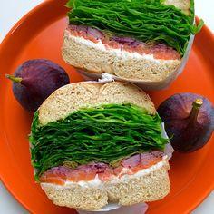 Homemade bagel sandwich(smoked samon and cream cheese)/自家製ベーグルのサンドイッチ(スモークサーモン&クリームチーズ)