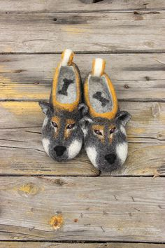 Shikoku japanese dogs - custom slippers, personalized - size and color, flat slippers. Natural eco wool felted shoes.  See all my funny animals slippers - dogs, cats, foxes, birds, dragons and other: https://www.etsy.com/shop/DarkaYarka?ref=l2-shopheader-name§ion_id=22264967  Product description:  Our felt slippers are totally handcrafted of 100% pure wool with warm water, soap, love and care. The sole, made of craft foam, is firmly glued. Felted slippers are ext...