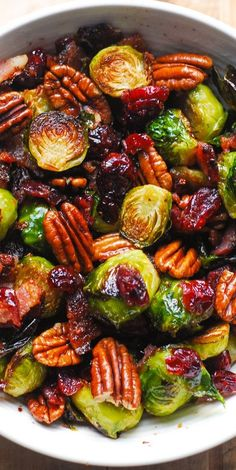 Sprout Recipes, Pea Recipes, Bacon Recipes, Side Dish Recipes, Vegetable Recipes, Dinner Recipes, Brussel Sprouts Cranberries, Balsamic Brussel Sprouts, Brussels Sprouts