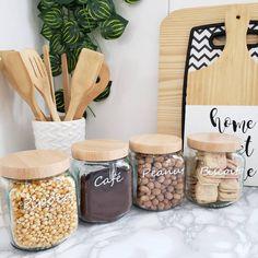 Small Kitchen Organization, Diy Kitchen Storage, Kitchen Decor, Kitchen Window Sill, Best Living Room Design, Diy Casa, Plant Decor, Sweet Home, Bedroom Decor