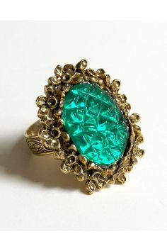 Vintage Gold & Green Crackle Cabochon Stone Ring