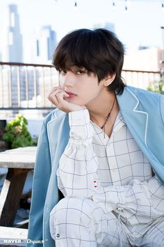 Kim Taehyung || Shooting Special BTS 5th Anniversary Party [180615] Credit : Dispatch x Naver‬