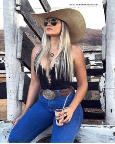 Fashion hats for women Country Girl Outfits, Sexy Cowgirl Outfits, Hot Country Girls, Rodeo Outfits, Country Girl Style, Country Women, Western Outfits, Cute Outfits, Cow Girl Outfits