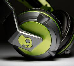 ColorWare Custom Skullcandy headphones
