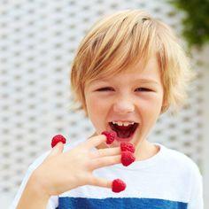 Diagnóstico de un niño celíaco Sin Gluten, Strawberry, Fruit, Children, Food, Fruit Benefits, Churro Recipe, Recipes, Deserts