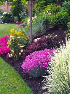 50 best landscape ideas to get inspiration your home garden 50 Centralcheff. Front House Landscaping, Landscaping With Rocks, Outdoor Landscaping, Outdoor Gardens, Landscaping Ideas, Florida Landscaping, Hillside Landscaping, Garden Yard Ideas, Lawn And Garden