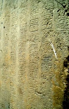 La Mojarra Stela found in Tres Zapotes. Inscription in the Isthmian or Epi-Olmec script on the right side.