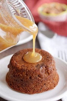 If you've never had sticky toffee pudding cake, what are you waiting for? A super moist date cake is smothered in a buttery, sweet, toffee sauce and drizzled with a touch of cream. Beautiful and delicious! British Desserts, Köstliche Desserts, Delicious Desserts, Health Desserts, Sticky Toffee Pudding Cake, Cake Recipes, Dessert Recipes, Pudding Recipes, Date Cake