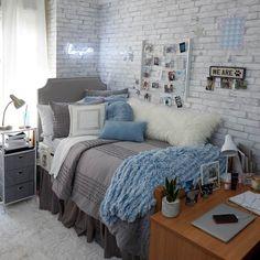 Grey Terry Dot Comforter and Sham Set - Twin/Twin XL - Room decor - Dorm Room Dorm Room Bedding, Dorm Room Walls, Cool Dorm Rooms, College Bedding, Dorm Room Themes, Dorm Rooms Girls, Dorm Room Beds, Diy Dorm Room, Dorm Room Ideas For Girls