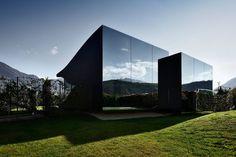 Schau Dir dieses großartige Inserat bei Airbnb an: Mirror House Nord - Häuser zur Miete in Bozen