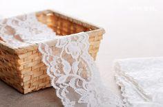 http://minglinlace.com/明林蕾絲小天馬拉雪兒蕾絲條碼古典花款有彈性蕾絲台灣製米白色