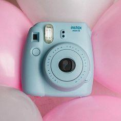 Без Fujifilm Instax Mini 8 не проходит ни одна вечеринка! …   Flickr Instax Camera, Fujifilm Instax Mini, Instant Print Camera, Card Sizes, Photos, Pictures