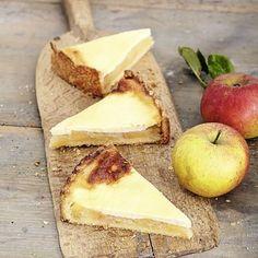Apfel-Schmandkuchen - Mürbeteig mit Fruchtfüllung und Schmandguss - http://www.kuechengoetter.de/rezepte/Kuchen/Apfel-Schmandkuchen-12959034.html