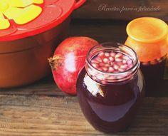 Chega o Outono, e com ele as nozes e as castanhas,os marmelos e as romãs.  Dá vontade de ir para o fogão, e preparar com esses ingredientes,...