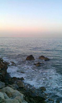 He cruzado océanos de tiempo para encontrarte. La #RevoluciondelAmor buenos días Pimpis. Fotografía de @teresalv #Malaga