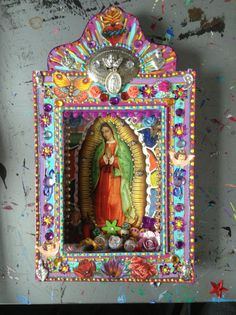 Would love to try and make an altar retalbo similar to this one. Religious Icons, Religious Art, Art Chicano, Tin Art, Catholic Art, Assemblage Art, Mexican Folk Art, Blessed Mother, Art Plastique
