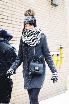 New York Fashion Week Street Style Fall Winter 2014 Winter Outfits Women, Winter Fashion Outfits, Autumn Winter Fashion, Fall Winter, Winter Wear, New York Fashion Week Street Style, Autumn Street Style, Winter Looks, Winter Style