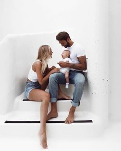 Loving family with beautiful baby boy Cute Family, Family Goals, Family Kids, Cute Kids, Cute Babies, Ohana Means Family, Foto Baby, Baby Kind, Baby Fever