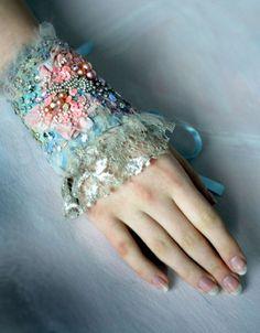 Spring Delight  beautiful  elegant hand embroidered von bonheur