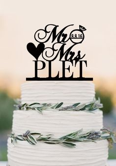 Wedding Cake Topper,Custom Cake Topper,Mr and Mrs Cake Topper With Las – DokkiDesign
