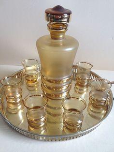 7 delig Art Deco  likeurstel van Booms  glas -  op verkoperd dienblad.