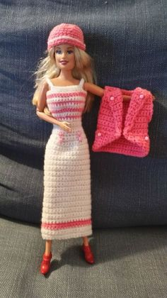 Les réalisations de mamido, Maryse.L et Claudine 21 Barbie Knitting Patterns, Knitting Dolls Clothes, Crochet Barbie Clothes, Crochet Dolls, Doll Clothes, Fashion Dolls, Fashion Outfits, Barbie Friends, Barbie World