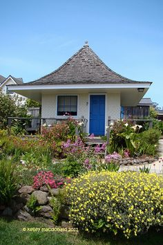 The old playhouse, now an inn cottage, at MacCallum House in Mendocino - so charming.