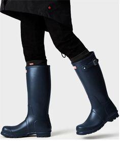 Hunter Boots Socks, Wellies Rain Boots, Hunter Wellies, Mens Tall Boots, Man Hunter, Core Collection, Hunter Original, Wellington Boot, Rubber Rain Boots