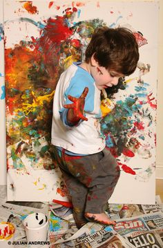 Artist at work: Freddie Linsky - Have your kids hand paint a canvas and hang up their art work for some precious memories :)