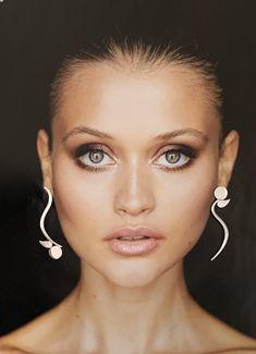 Sterling Silver asymmetrical drop earrings. Designer earrings. Statement earrings. Avant- Garde. Earrings Photo, Hoop Earrings, Hanging Necklaces, Wide Rings, Designer Earrings, Statement Earrings, Silver Jewelry, Jewelry Design, Jewels