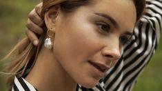 Trend-Ohrringe: Diese Perlen-Earrings von ESHVI sind ein Must-have Ärmelloser Mantel, Pearl Earrings, Shopping, Jewelry, Fashion, Ear Piercings, Beads, Full Figure Fashion, Fashion Clothes