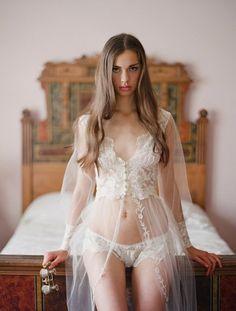 78c8ffbd25  bridal  wedding  lingerie  iseeyou  classy  honeymoon  bride  boudoir