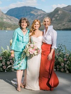 30 Chic Mother-of-the-Bride and-Groom Dresses with Long Sleeves Look and feel great on your son or daughter's wedding day in one of these chic long-sleeved dresses. Mob Dresses, Bridesmaid Dresses, Dresses With Sleeves, Sleeve Dresses, Bride Groom Dress, Bride Gowns, Casual Groom Attire, Black Lace Gown, Mother Of The Bride Dresses Long