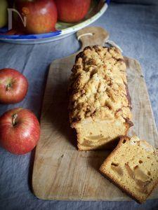 りんごとキャラメルのしっとりパウンドケーキ Banana Bread, Muffin, Sweets, Breakfast, Cake, Desserts, Recipes, Food, Morning Coffee