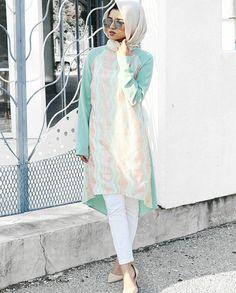 Hijab Makeup, Hijab Fashion, Fashion Outfits, Hijabi Girl, Islamic Fashion, Muslim Women, Women Life, Pakistani Dresses, Fashion Stylist