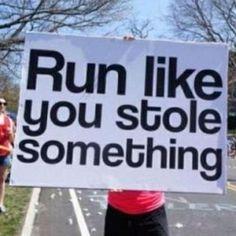 Czytam relacje z kolejnych przebiegniętych maratonów, takich jak dzisiejszy Łódź Maraton i nie ukrywam, że podziwiam tych, którym się udało. Sam czasem mam myśli, które kierują mnie w kierunku startu, ale… http://blog.ruszamysie.pl/dlaczego-nigdy-nie-przebiegne-maratonu/