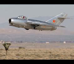 It had a funny nick name but the Mig 15 was no joke (30 HQ Photos)